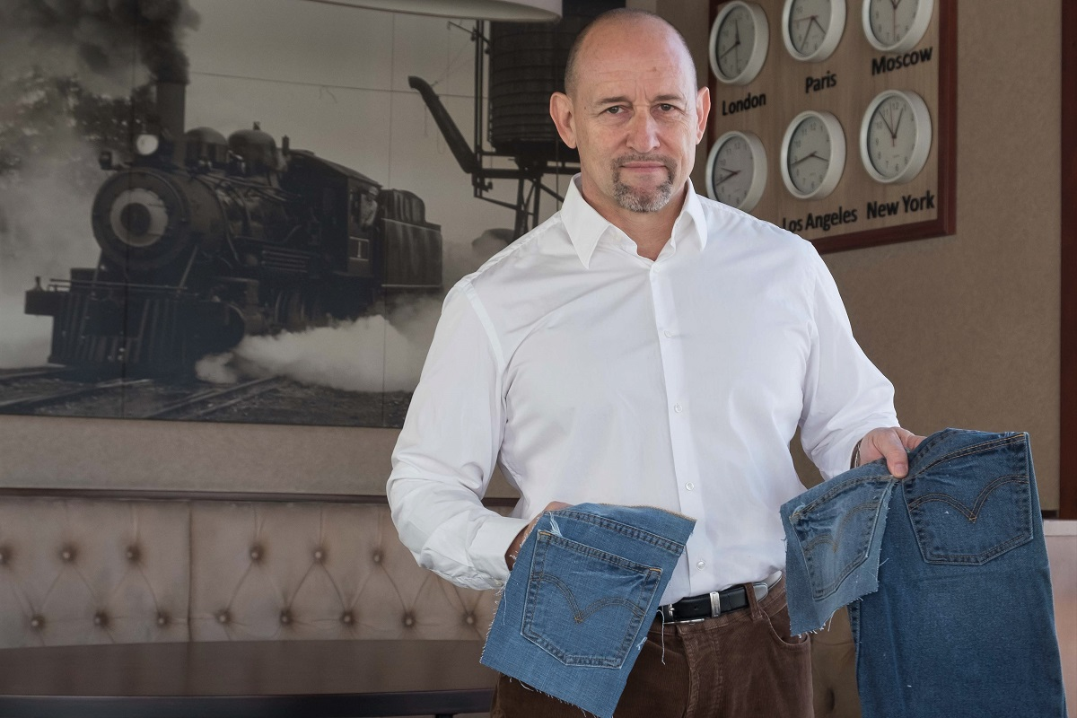 Jeans-Veredung von Dr. Klaus-Jürgen Wolf