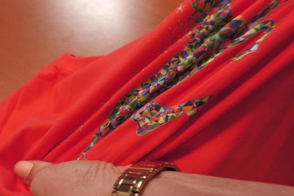Das Motiv ist nach dem Transfer auf das Textil enorm strapazierfähig. Die Flexibilität übertrifft bisher bekannte Maßstäbe