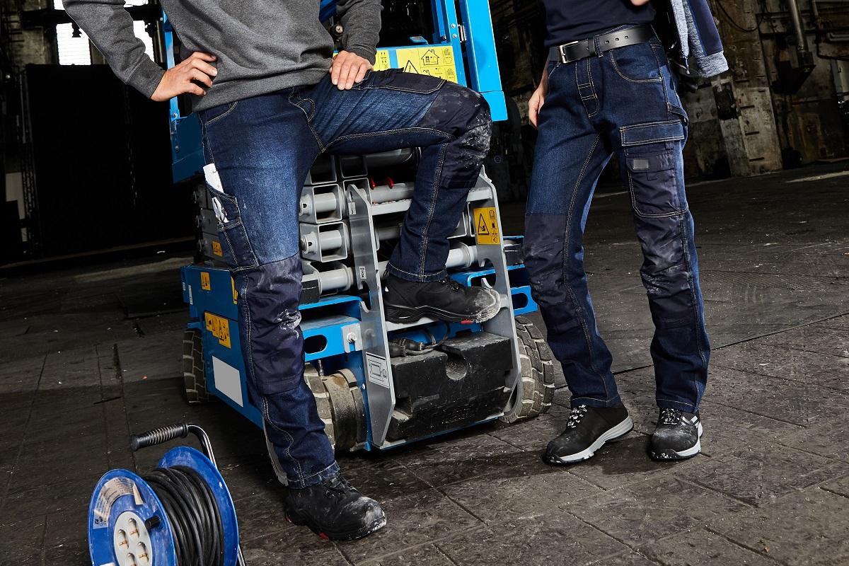 Workwear der Marke James & Nicholson